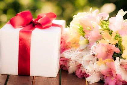 Get The Best Gift Basket From GiftBaskets Online Store